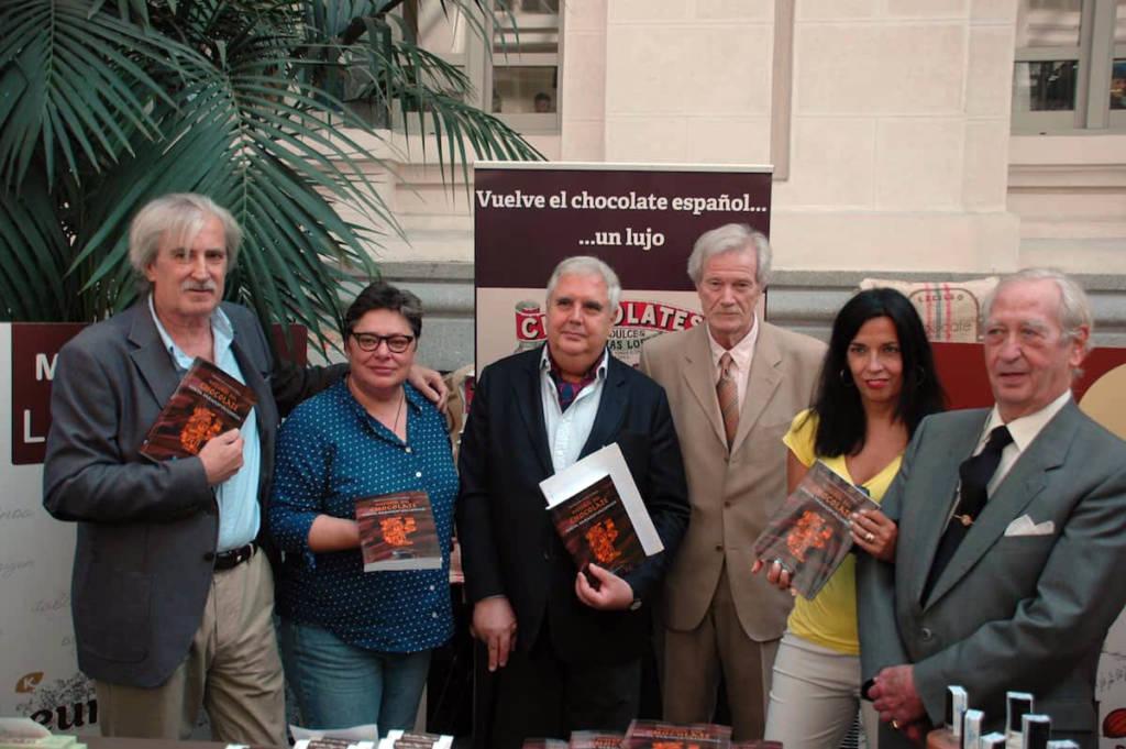 El libro en el Stand de Chocolates y dulces Matias Lopez en el Salón internacional del Chocolate