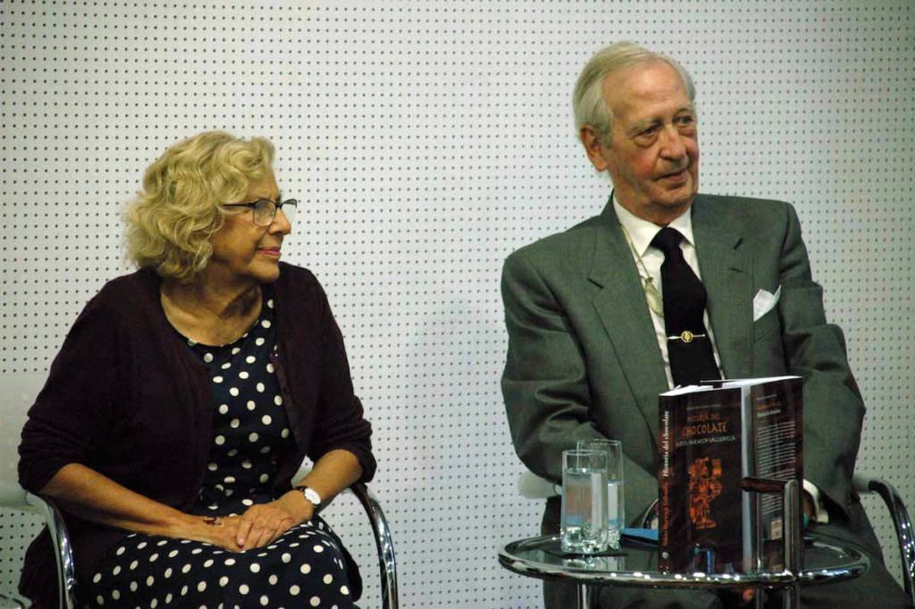 La Alcaldesa de Madrid Manuela Carmena y Manuel de Cendra y Aparicio