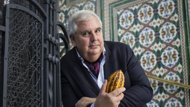 Harwich, autor de Historia del chocolate